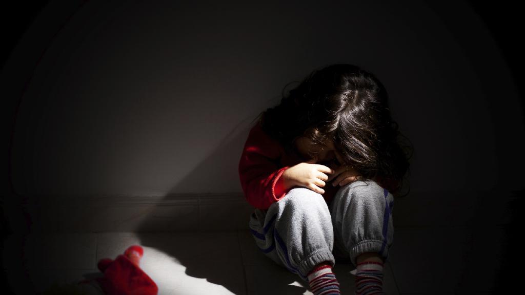duygusal-istismar-turleri-ve-etkileri